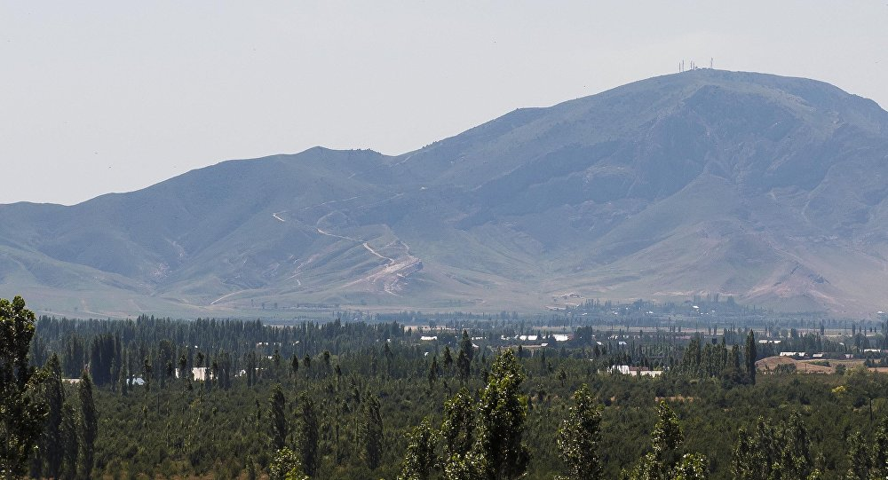 Узбекистан сказал Кыргызстану 4 служащих радиорелейной станции