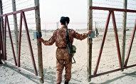 Узбекский пограничник на посту. Архивное фото