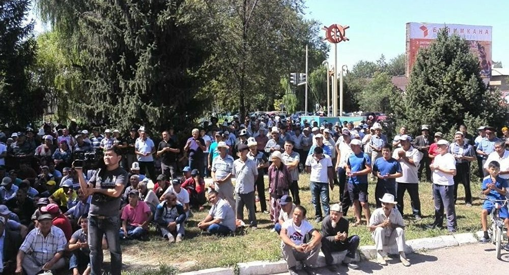 Узбекистан может отключить телефонную исотовую связь вКыргызстане?