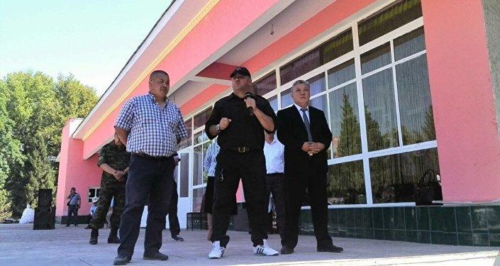 Переговоры обосвобождении четырех кыргызстанцев вРУз продолжаются— МИД