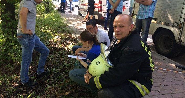 По предварительным данным, 16 человек стали жертвами крупного пожара на северо-востоке Москвы, где загорелся склад.