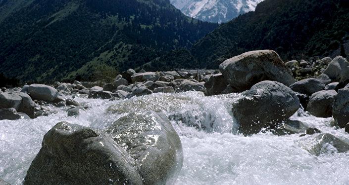 Горная река Ала-Арча. Архивное фото