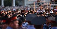 Зрители концерта на площади Ала-Тоо. Архивное фото