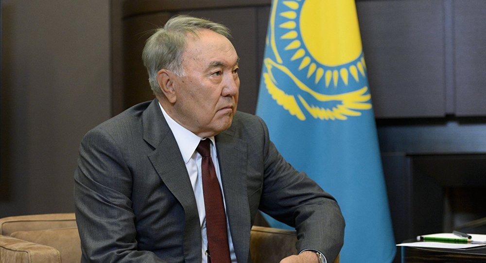Нурсултан Назарбаев направил телеграмму сожаления главе Кыргызстана Алмазбеку Атамбаеву