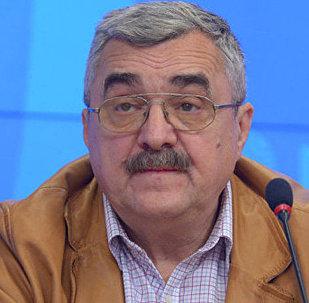Архивное фото заместителя директора Института стран СНГ Владимира Жарихина