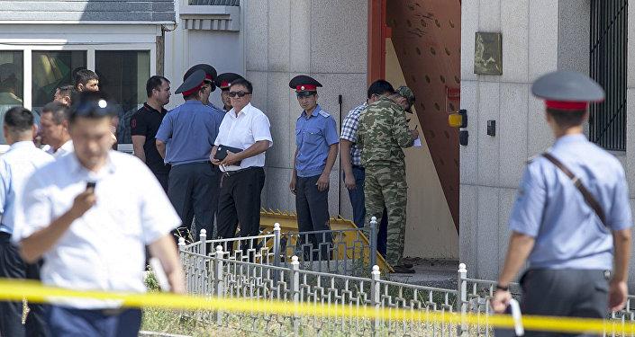 Появилось видео разрушенного после теракта здания посольства Китая вБишкеке