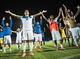 Товарищеский матч между сборными Кыргызстана и Казахстана по футболу на стадионе имени Долона Омурзакова