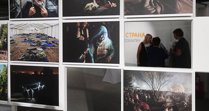 Выставка победителей и призеров Международного конкурса фотожурналистики имени Андрея Стенина в Москве.