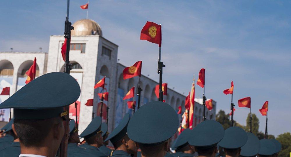 Военнослужащие КР на репетиции военного парада. Архивное фото
