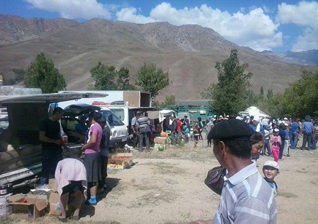 Ярмарка в честь празднования 25-летия независимости Кыргызстана в Чаткале