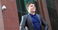 Российский школьник Игорь Назаров, ставший популярным после серии фотографий Болотный менеджер после приезда в Бишкек