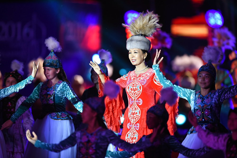 всегда фотография кыргызстанский звезды бантики