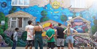 Граффити стена в 6-м микрорайоне нарисованная в рамках проекта Я люблю Бишкек