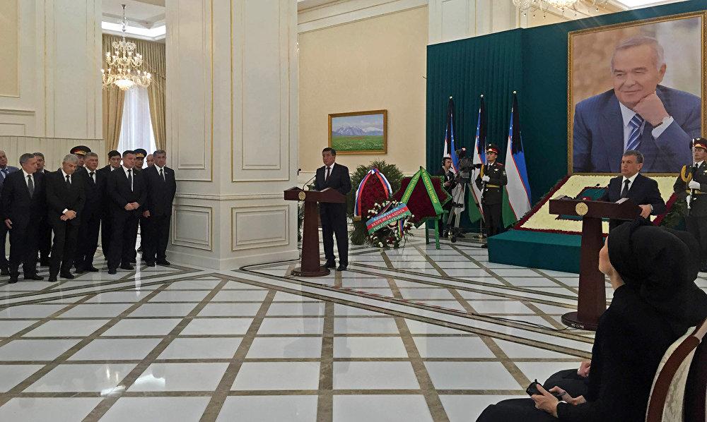 Премьер-министр Жээнбеков өзбек лидери Каримовду акыркы жайга узатып жатканда эскерүү сөзүн айтты