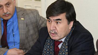 Архивное фото председателя Национальной ассоциации политологов Таджикистана Абдугани Мамадазимова