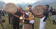 Приготовившая 40 видов хлеба на игры кочевников Мамырова Базаргул