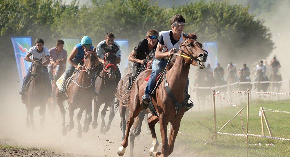 Дистанционные конные пробеги. Архивное фото