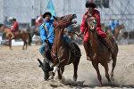 Традиционные игры кок-бору в рамках Вторых всемирных игр кочевников на Иссык-Куле. Архивное фото