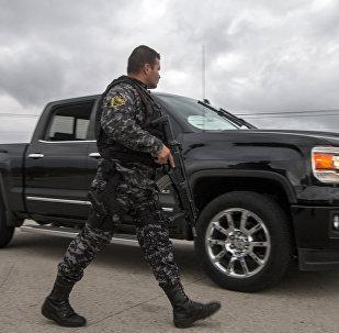 Мексика полиция кызматкери. Архивдик сүрөт
