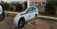 Картонный муляж спецмашины Управления патрульной милиции МВД КР. Архивное фото