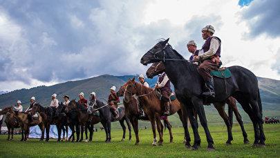 Участники традиционной охоты салбурун в рамках II Всемирных игр кочевников. Архивное фото