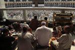 Кааба мечитиндеги зыяратчылар, Мекке. Архив