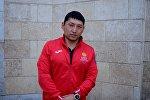 Кыргызстанец Эсен Калиев, представляющий страну в состязаниях по пауэрлифтингу на Паралимпиаде в Рио-де-Жанейро