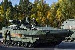 Жаңы универсалдык модулдуу Т-15 Армата. Архивдик сүрөт