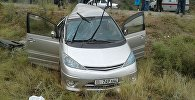Автомобиль Toyotа попавший в дтп на трассе Бишкек — Ош, где погибли пятеро человек