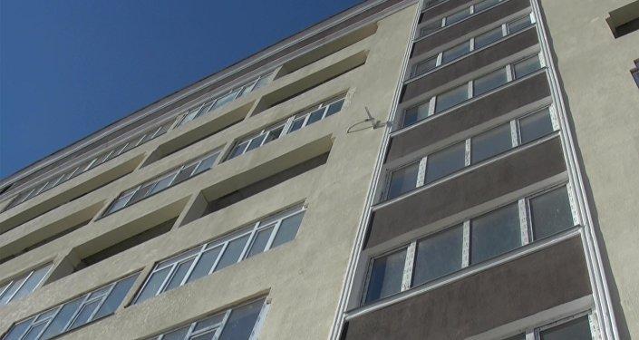 ВКировском районе с23-этажа выпал парень