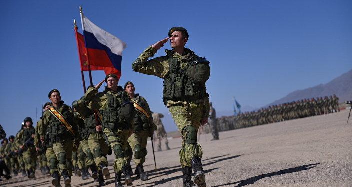 Военнослужащие Российской Федерации на учениях. Архивное фото