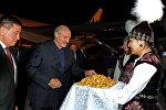 Беларусия президенти Александр Лукашенко Бишкек шаарындагы Манас эл аралык аэропортуна конду.