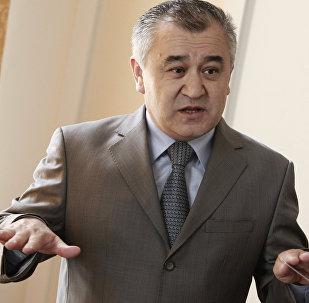 Архивное фото депутата ЖК Омурбека Текебаева