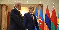 Президент КР Алмазбек Атамбаев на расширенном заседании глав государств — участников СНГ