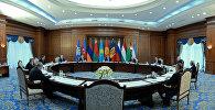 Президент Кыргызстана Алмазбек Атамбаев на заседании Совета глав государств – участников Содружества Независимых Государств в Бишкеке. Архивное фото