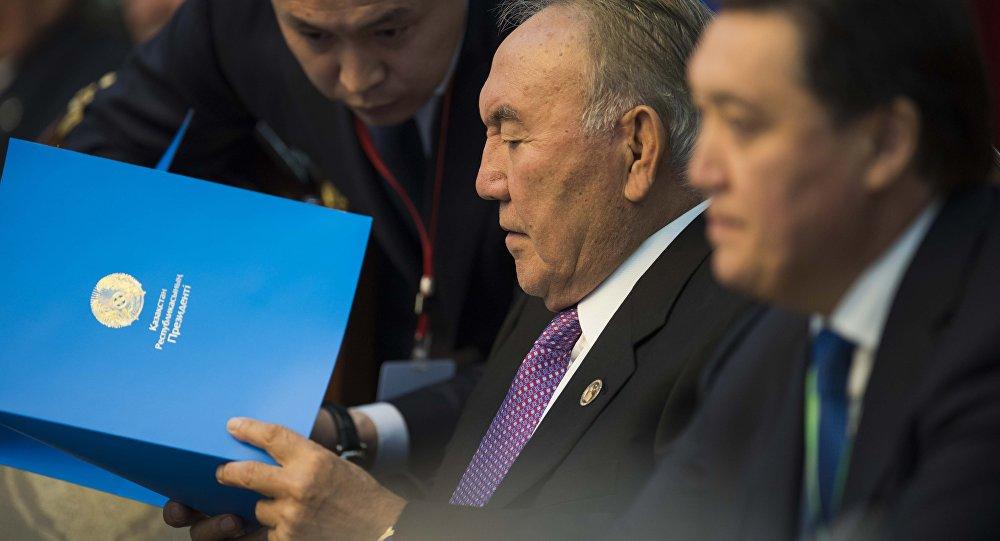 Назарбаев провел первую рабочую встречу после болезни