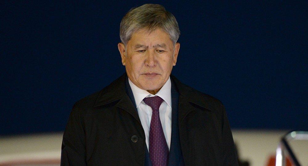 Эски президент Алмазбек Атамбаев. Архивдик сүрөт