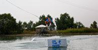 Выступление участинка чемпионата Кыргызстана по кабельному вейкбордингу в Бишкеке