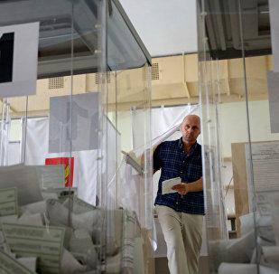 На одном из избирательных участков России. Архивное фото