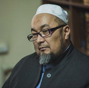 Кыргызстан мусулмандарынын аалымдар кеңешинин мүчөсү Чубак ажы Жалиловдун архивдик сүрөтү