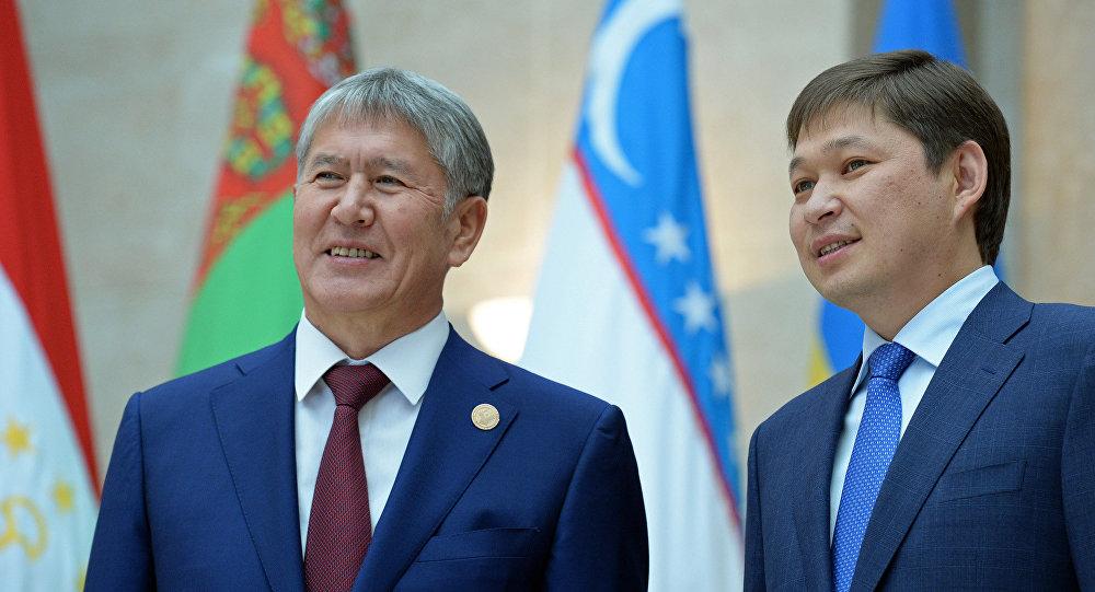 Экс-президент Алмазбек Атамбаев жана мурдагы премьер-минист Сапар Исаков. Архив