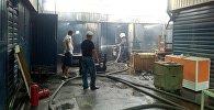 Пожар в контейнерах на пересечении улиц Куренкеева и Усенбаева