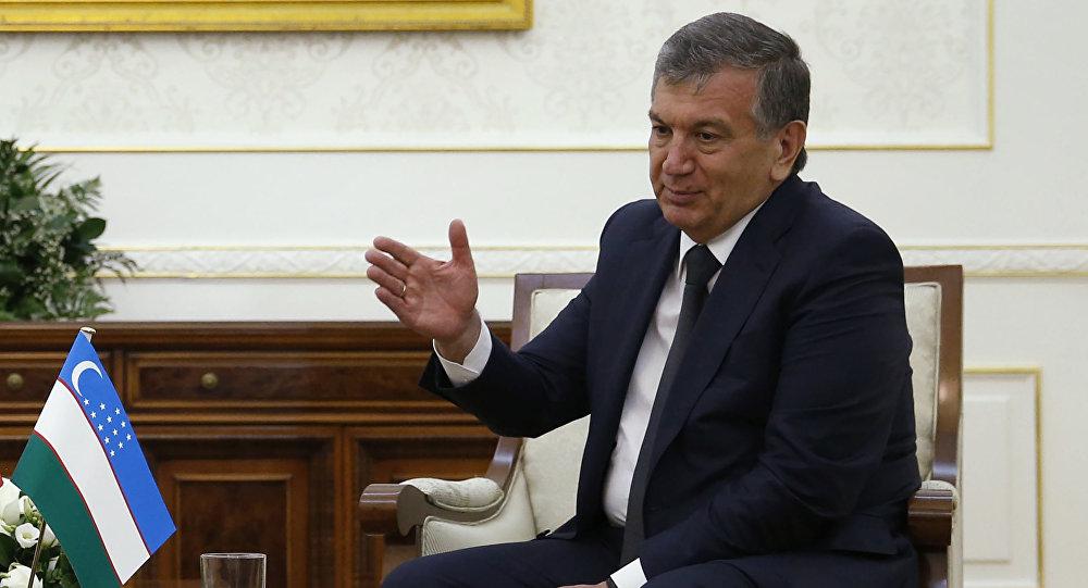 Архивное фото исполняющего обязанности президента Узбекистана Шавката Мирзиёева