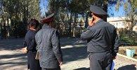 38-мектептеги милиция кызматкерлери.