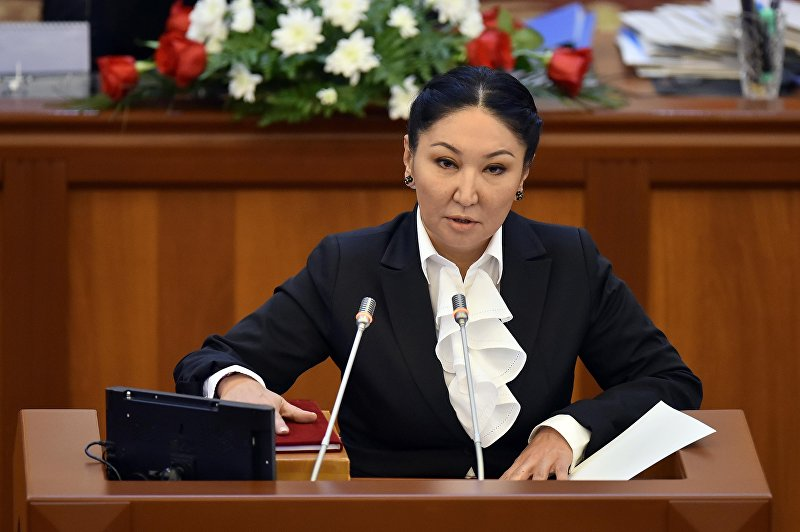 Депутат от фракции Кыргызстан Чолпон Султанбекова на первом заседании VI созыва ЖК. Архивное фото