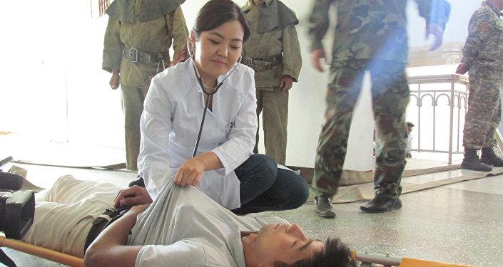 На месте также были бригады скорой помощи и правоохранители. Учения проведены для взаимодействия ведомств при чрезвычайных ситуациях.