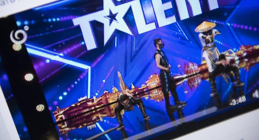 Фото с официальной страницы Facebook конкурса Чехия и Словакия ищут таланты — 2016. Танцевальная группа Адем на финале международного конкурса талантов