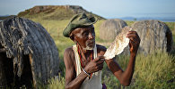 Кениядагы 70-жашар элмоло уруунун өкүлүнүн архивдик сүрөтү