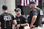 АКШнын полиция кызматкерлери. Архив