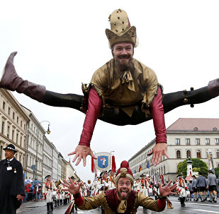 Мюнхендеги Октоберфест сыра майрамынын катышуучулары